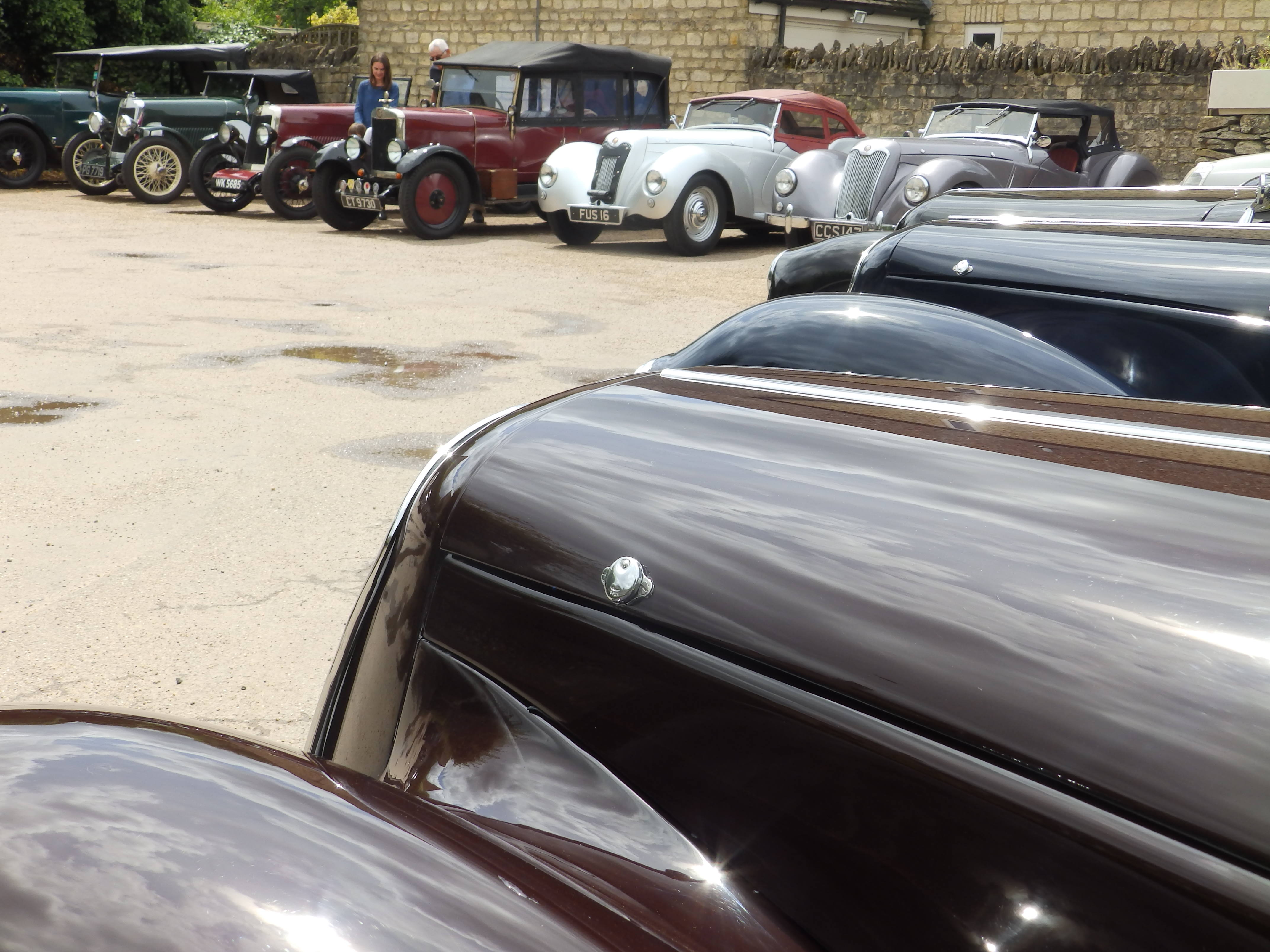 Lea-Francis cars assembled in pub car park
